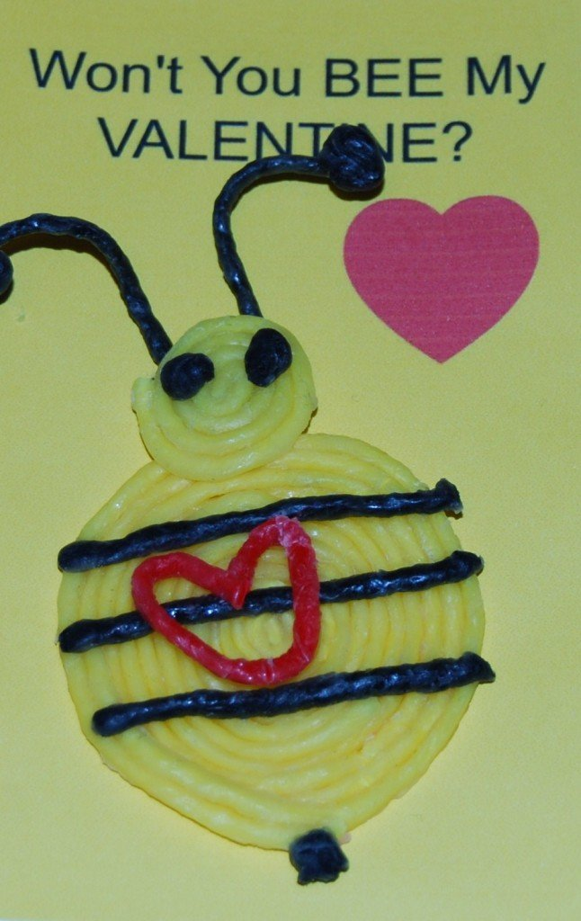 Bee Valentine Heart Photo