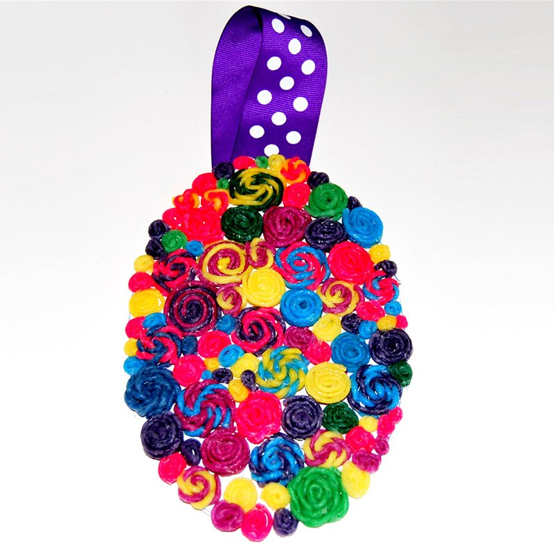 Quilling and Easter Egg with Wikki Stix
