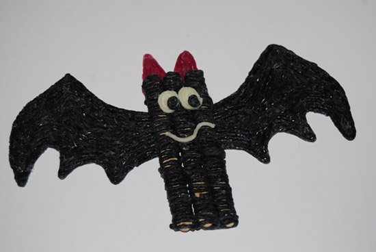 Wikki Stix Bat Craft for Kids!