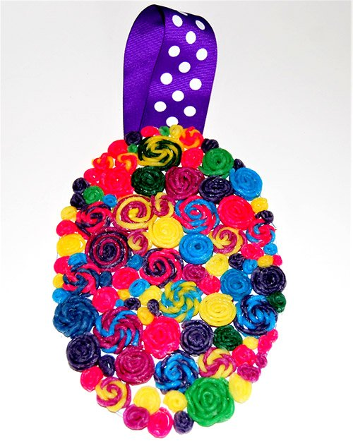 Wikki Stix Quilled Easter Egg